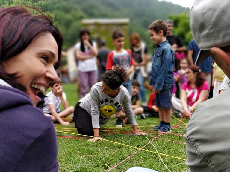"""""""Festa della Felicità"""" Genitori felici e Figli gratificati - Castelvecchio di Rocca Barbena (SV)"""